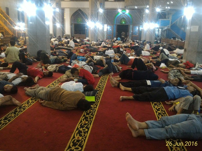 iktikaf di masjid al azhar bekasi buat jomblo