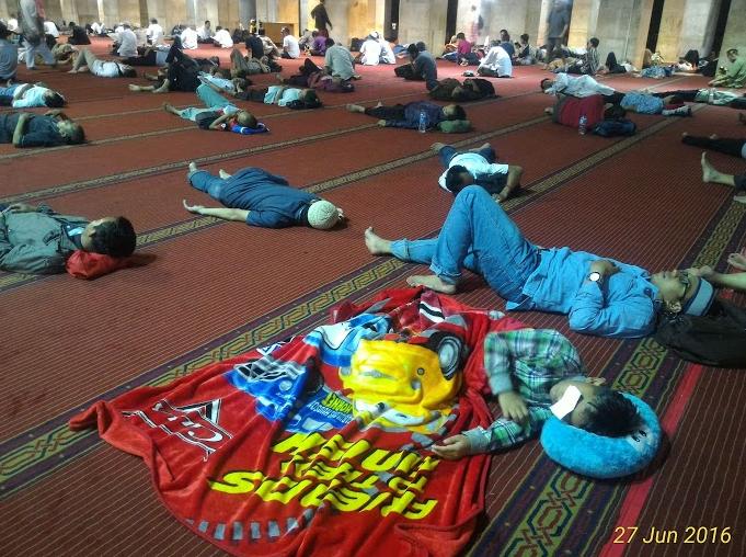 iktikaf di masjid istiqlal jakarta