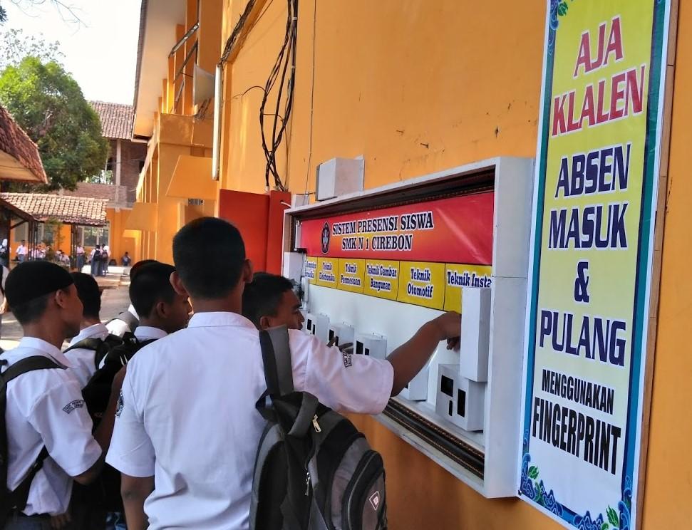 absensi-fingerprint-sidikjari-sekolah-termurah